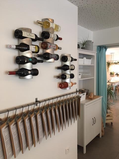 illustration vin rouge - Restaurant Thézan-Lès-Béziers - La carte Timbré